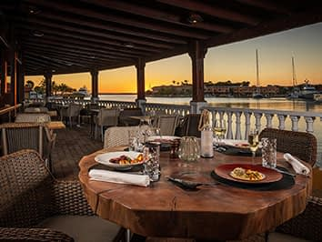 oscars-lighthouse-restaurant-bonaire-ft-image