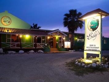 Eddys-bonaire-restaurant-1